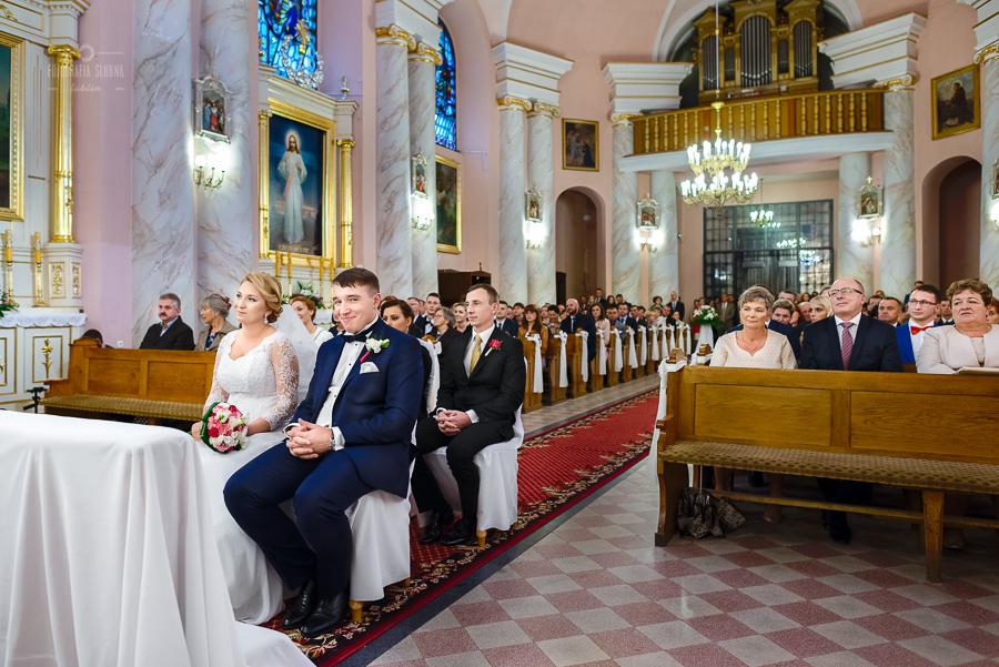 ceremonia-slubu-niedrzwica-biskup-22