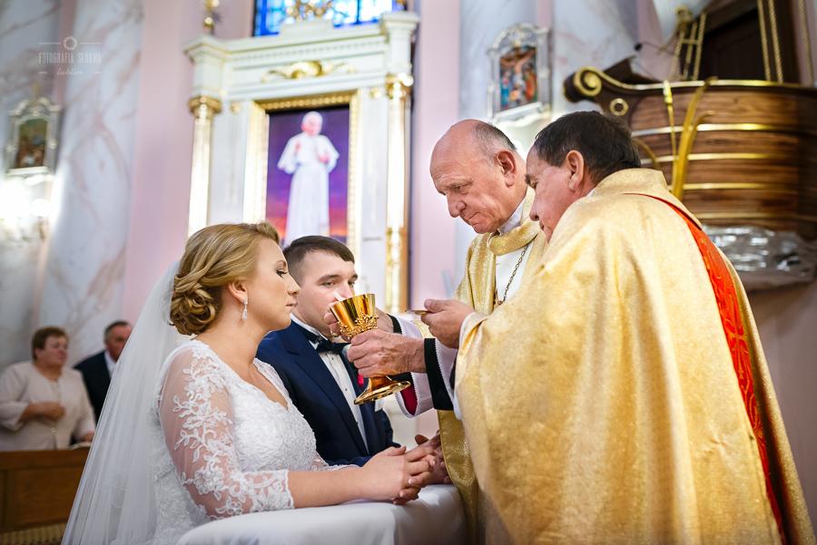 ceremonia-slubu-niedrzwica-biskup-24