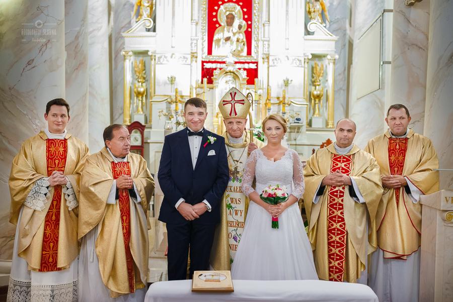 ceremonia-slubu-niedrzwica-biskup-27