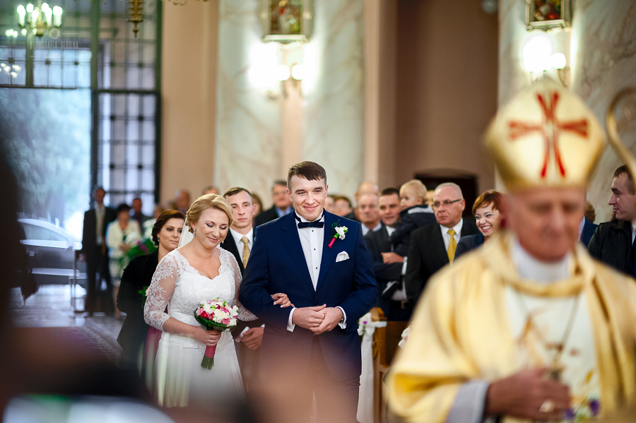 ceremonia-slubu-niedrzwica-biskup-4
