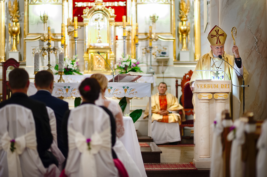 ceremonia-slubu-niedrzwica-biskup-9