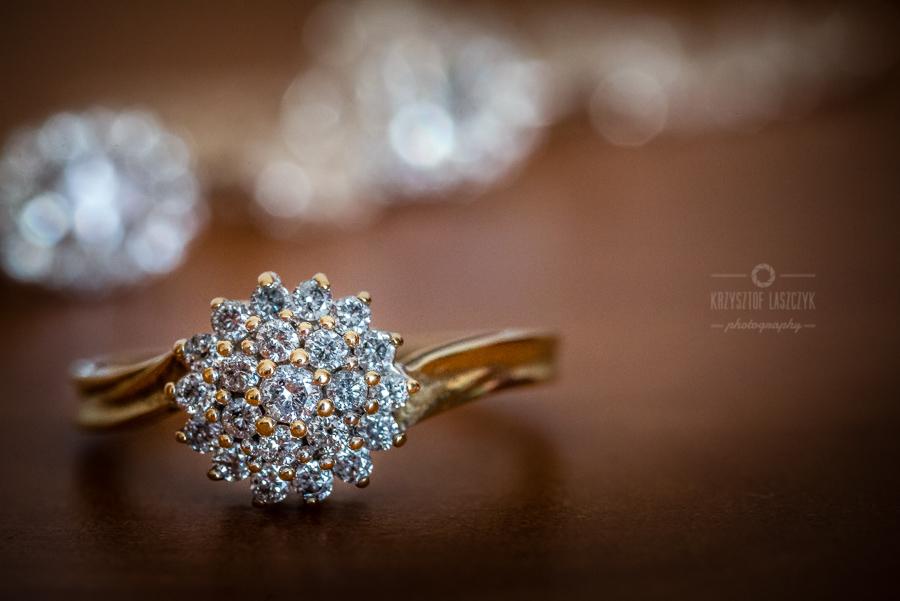 detale ślubne - pierścionek zaręczynowy