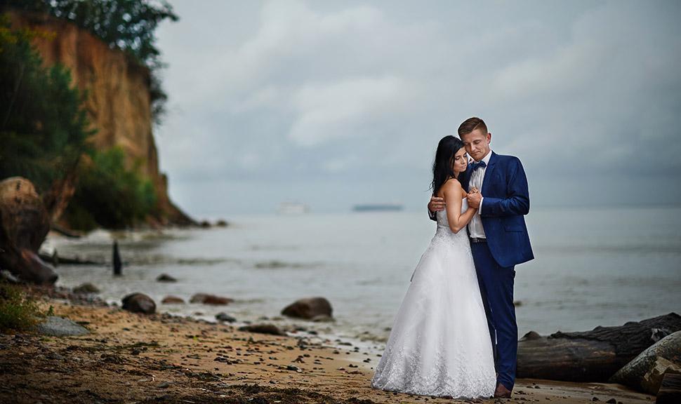 Ślubna sesja plenerowa Orłowo, nad morzem
